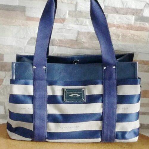 Cartera Tommy Hilfiger Medium Iconic satchel franjas azul
